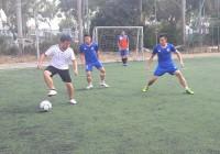 Xác định 4 đội bóng vào bán kết Giải bóng đá Mini - Tranh Cúp dự án phát triển bền vững thành phố Đà Nẵng.