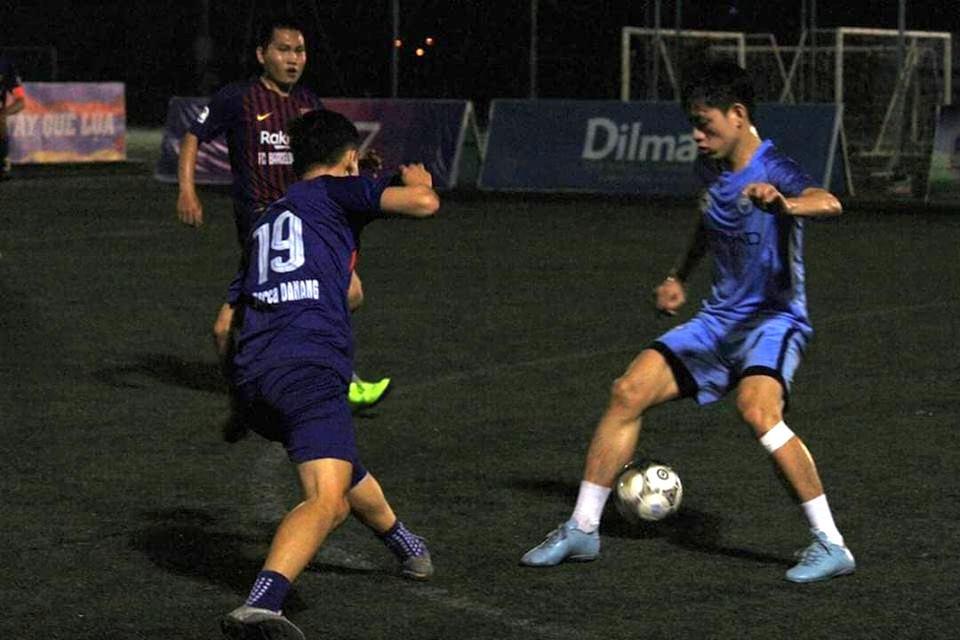 Trước khi hiệp 1 kết thúc AFC Đà Nẵng có bàn rút ngắn tỷ số xống còn 2 - 3  do công của Anh Tài ghi phút 25.