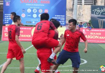 Cuộc đua song mã mang tên Tản Viên và  PKK   Vòng 5 Giải bóng đá ngoại hạng Sơn Tây lần thứ 2 – năm 2018 (SPL-S2)
