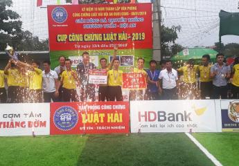 Tấn Trường tỏa sáng, Ruby FC vô địch Giải bóng đá truyền thống Phương Tuấn Hội An - Tranh Cúp công chứng Luật Hải năm 2019.