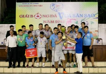 Thắng kịch tính trong loạt sút luân lưu cân não với tỷ số 6 - 5 Thạch Phan FC vô địch giải bóng đá Vua sân Sao 2018 (TP Đà Nẵng)