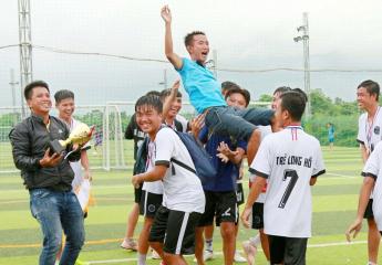 Thắng Lộc Tài FC 1-0 vào phút cuối, Long Hồ giành cúp vô địch Giải bóng đá U15 Vĩnh long Cúp Justin 2019