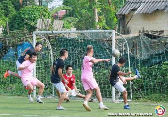 Tản Viên vững vàng ngôi đầu bảng, UBND Sơn Tây đánh mất lợi thế trụ hạng   Vòng 7 Giải bóng đá ngoại hạng Sơn Tây lần thứ 2 – năm 2018 (SPL-S2)
